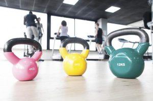 Como-hacer-ejercicios.con-kettlebells-3 copia